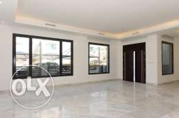 New, 4 master bedroom villa w/small yard - Khaldiya