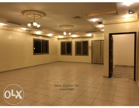 4 Bedroom - Villa Floor For Expats For Rent in Mangaf