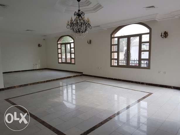 Mishref beautiful 6 bedrooms villa garden and swimming pool