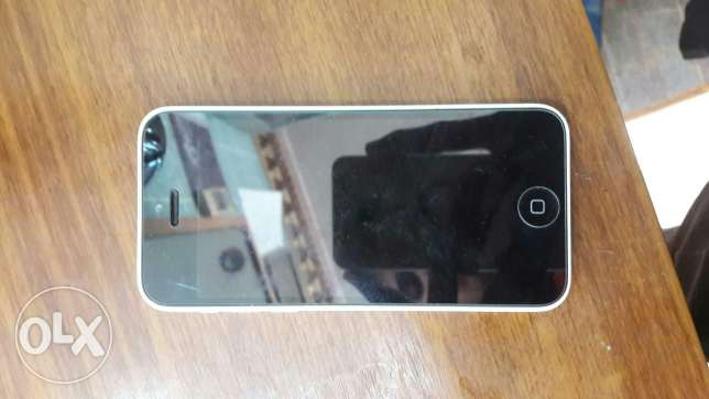 I want to sell iphone 5c lock 16gb الفروانية -  2