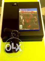 PS 4 (Play Station 4) plus metal gear solid V The Phantom pain