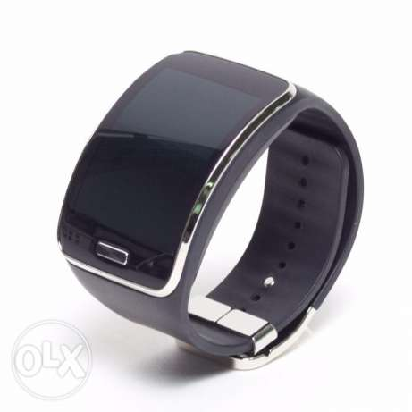 Samsung Gear S Like new with box charge and cable حولي -  1