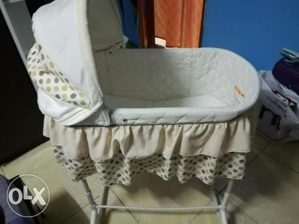 Junior baby crib