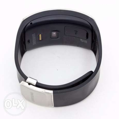 Samsung Gear S Like new with box charge and cable حولي -  2