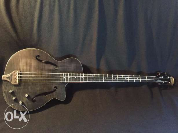 Epiphone Zenith electric semiacoustic bass guitar