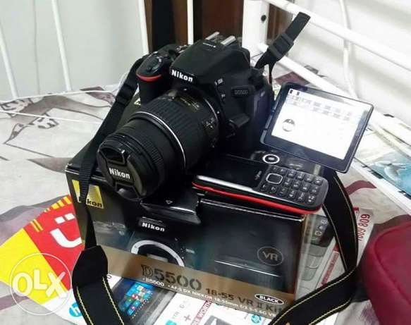 nikon d5500 like new with box and all accessories..english for inquire
