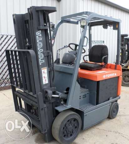 Used forklifts of different brands at good price