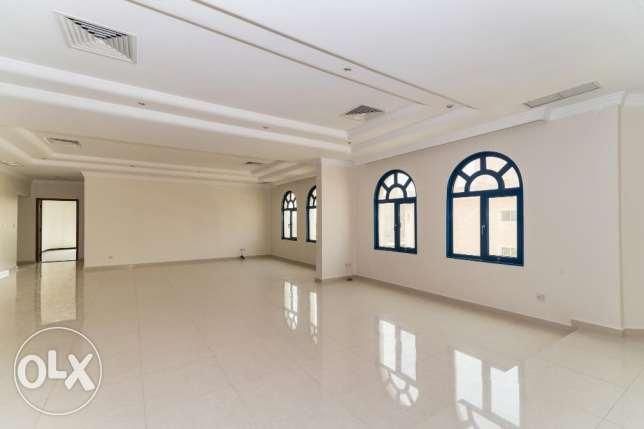 For expats, big 3 bdr floor in Salwa