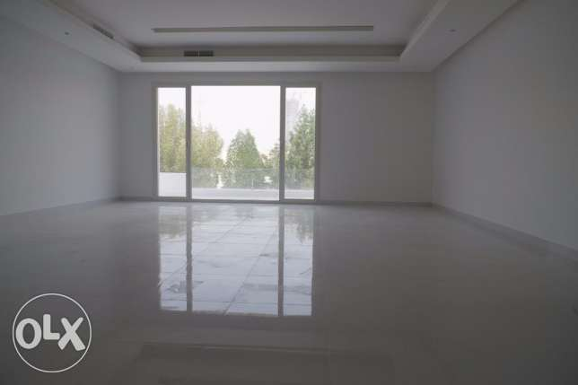 Lovely,new 4 bdr floor w/balcony in Shaab