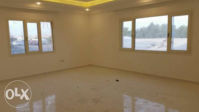 Salam, for Kuwaiti small families only beautiful flat 3bhk + maidroom