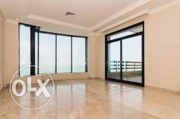 Sea view 3 bdr apt with balcony in Salmiya