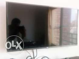 40' LG LED TV + Mounting Kit for sale