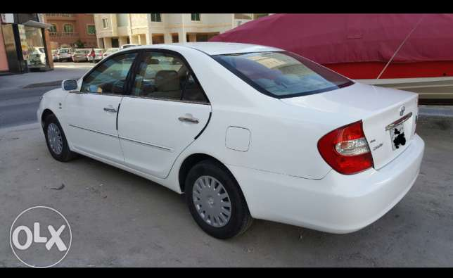 2004 model toyota camry for sale in salmiya 4cylnder 280km