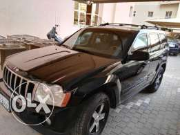 -For Sale).JEEP Cheroke. 2005 Yr. Mdl. Black color) للبيع جيب شيروكي