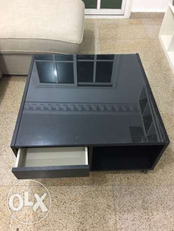 IKEA middle table with wheels black color السالمية -  2