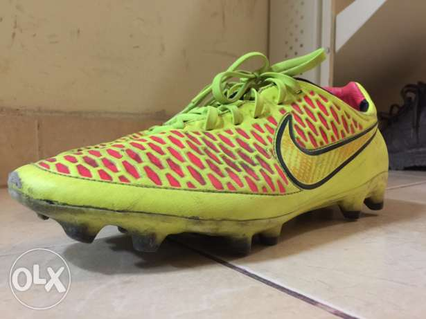 Nike Majista Obra Studs( Football shoes)
