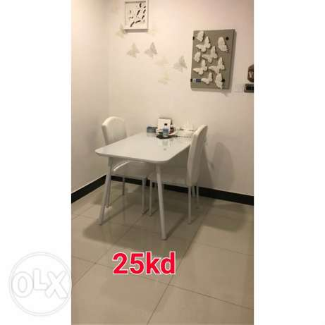 White and compact chair and table on sale 25KD