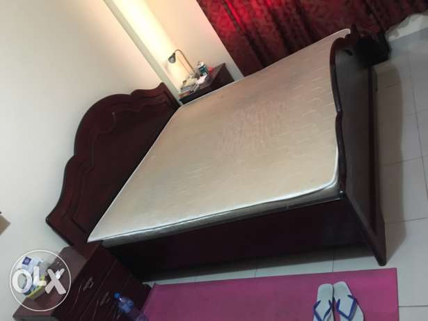 master bed room set/family moving/ immediate sales