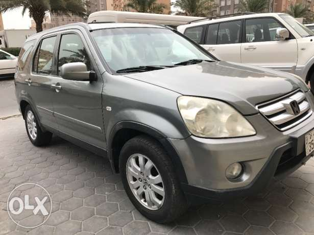 Honda CR-V 2006 For urgent sell (leaving Kuwait)