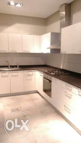 Sea view unfurnished 3 bedroom flat with sea view for kd 650 in salmiy