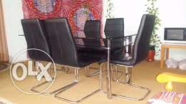 Dining table & 6 chairs مائدة طعام و 6 مقاعد