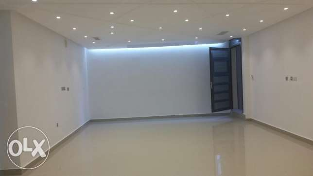 Eqaila New 175m2 basement 3 master bedrooms flat + maidroom