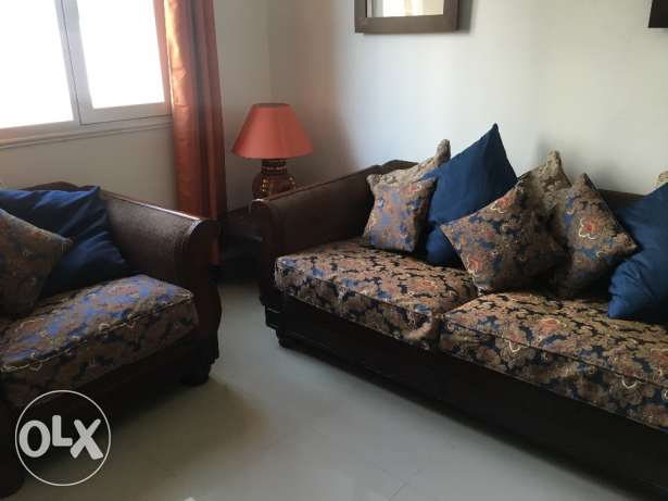 sofa set in good condition 3 seater and 1 seater
