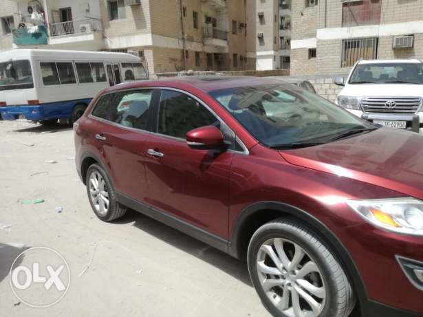 2012 Mazda CX-9 suv full option.