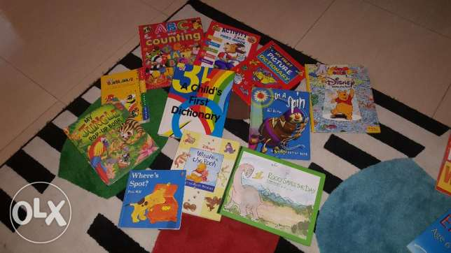 Children's book story and Stage 1 English reading and writing .