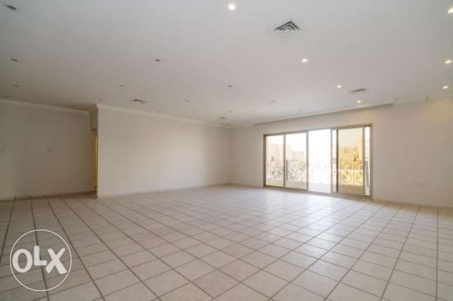 4 BR - very spacious, four bedroom floor w/balcony in Salam