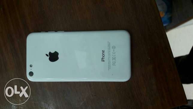 I want to sell iphone 5c lock 16gb الفروانية -  1