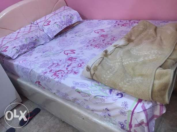 cot and mattress for Sale 35 kd