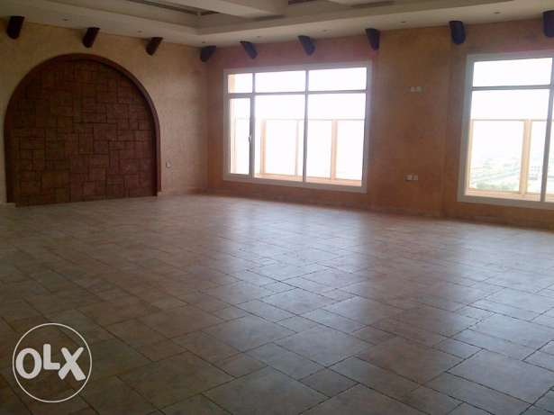 Sea view penthouse with big balcony in Shaab, KD 1300.
