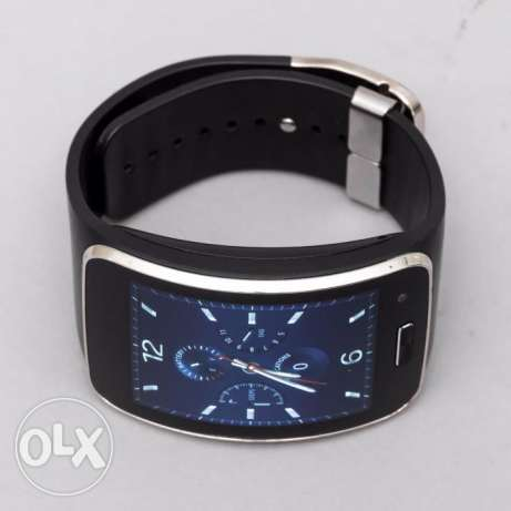 Samsung Gear S Like new with box charge and cable حولي -  3