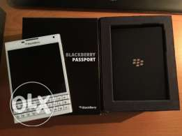 BlackBerry Passport (white)