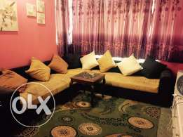 living room comfortably sofa+floor mat+medium size centre table