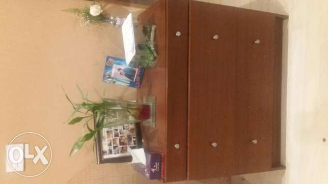 Chest of drawers n tv table