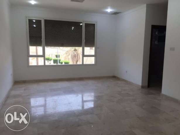Big 5 bedroom villa for rent in Egaila KD 1300