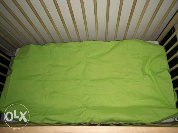 Ikea crib with mattress and cover