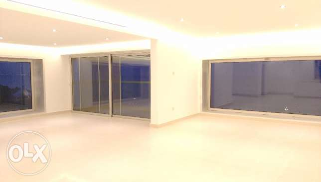 Luxury duplex in Salmiya with full sea view KD 1370
