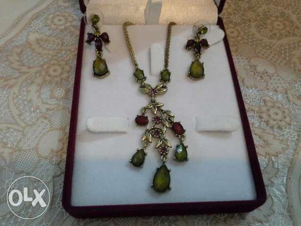 Assorted jewelry pieses for sale
