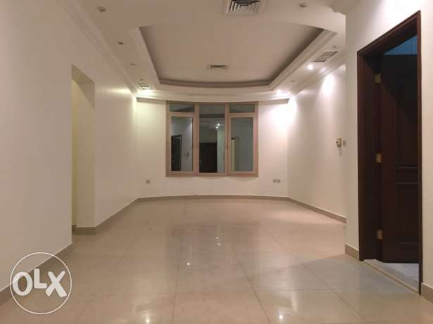 very nice 3 bedrooms in villa apt in Mangaf