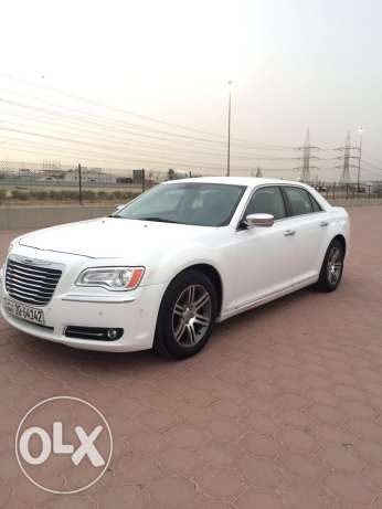 CHrYSlER 300..For Sale