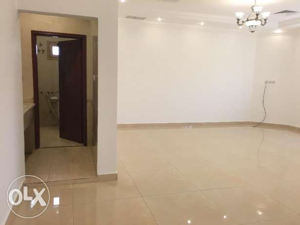 For rent full floor in Al-Masayel 700 KD 4 bedrooms