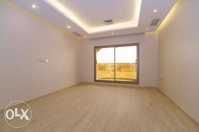 new 3 bdr apartmnts in Siddeeq South Surra