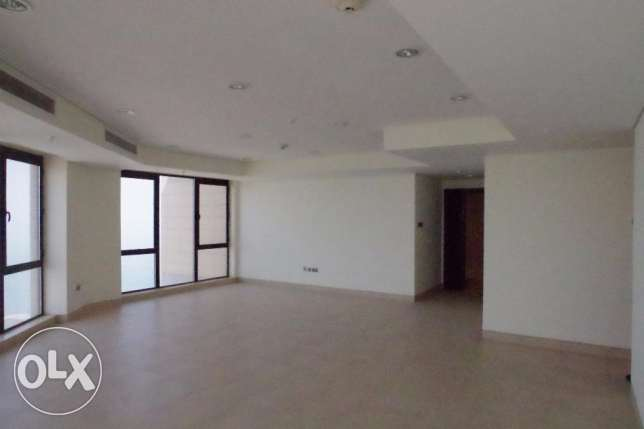 Sea view,big 195m2 - 3 bdr apt in Bned Al Gar