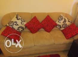 Sofa set for sale (3+2+1) with 12 cushions-salmiya