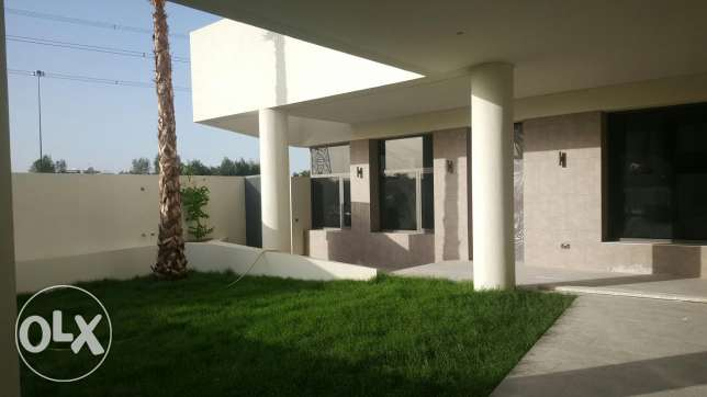 Villa with 2floors bassment swimming pool2250kd