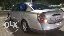 Nissan Altima - 2005 Silver Colour