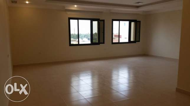 Bayan, huge 4 bedrooms floor for rent